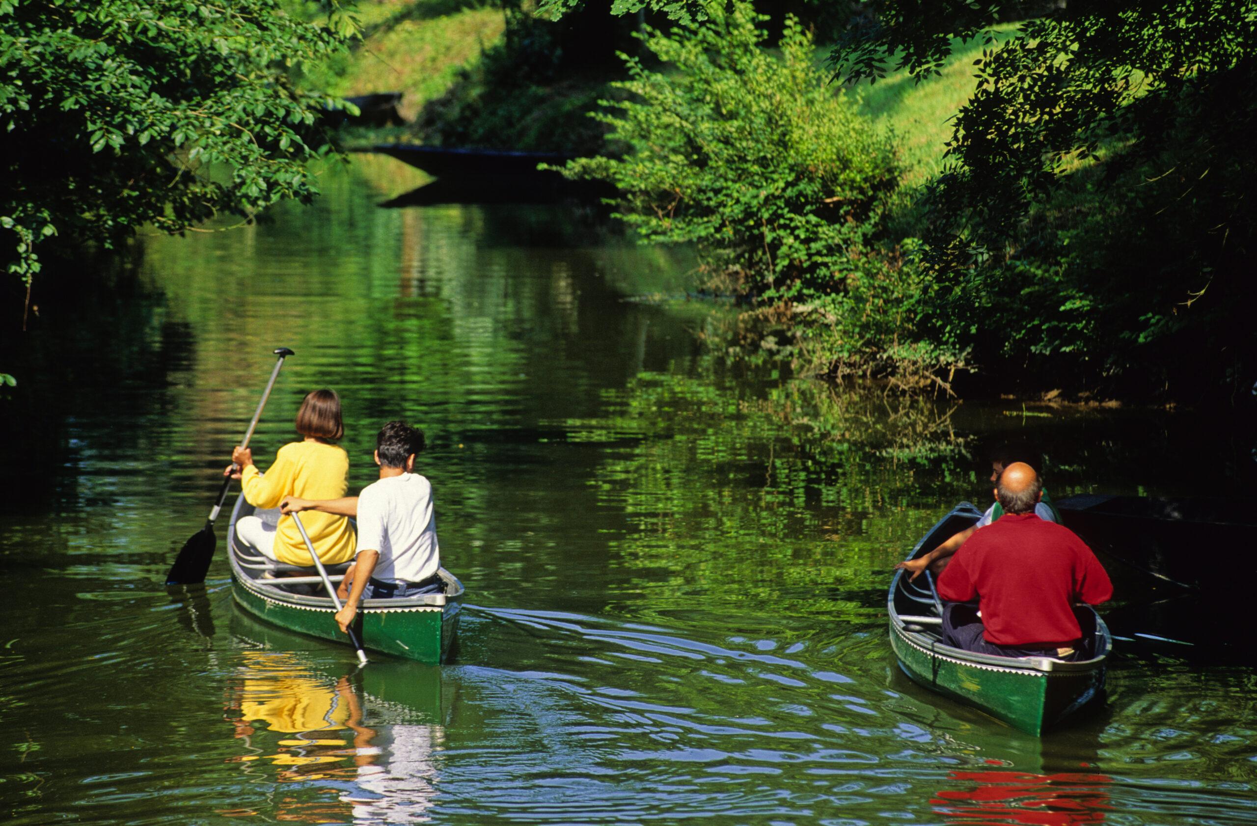 canoeing in the Marais Poitevin